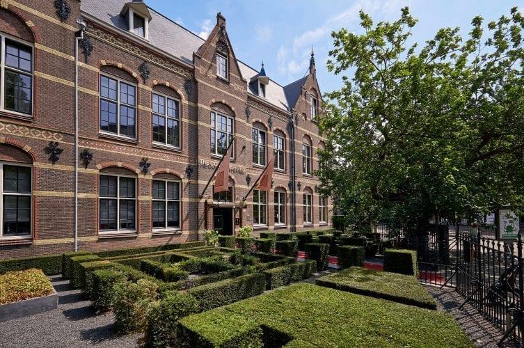 hotel-college